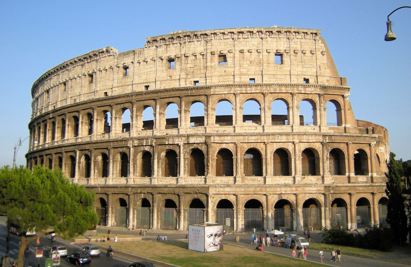 best way to visit the Roman Colosseum Earl rome