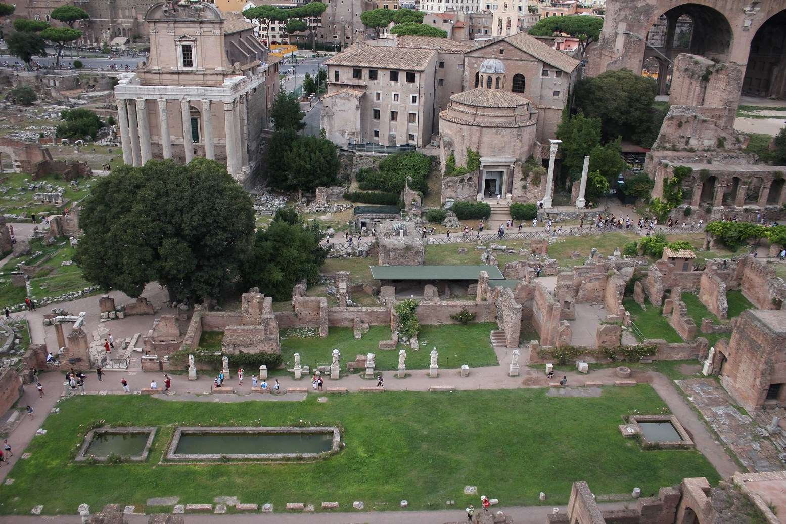 Visiting The Colosseum And Roman Forum