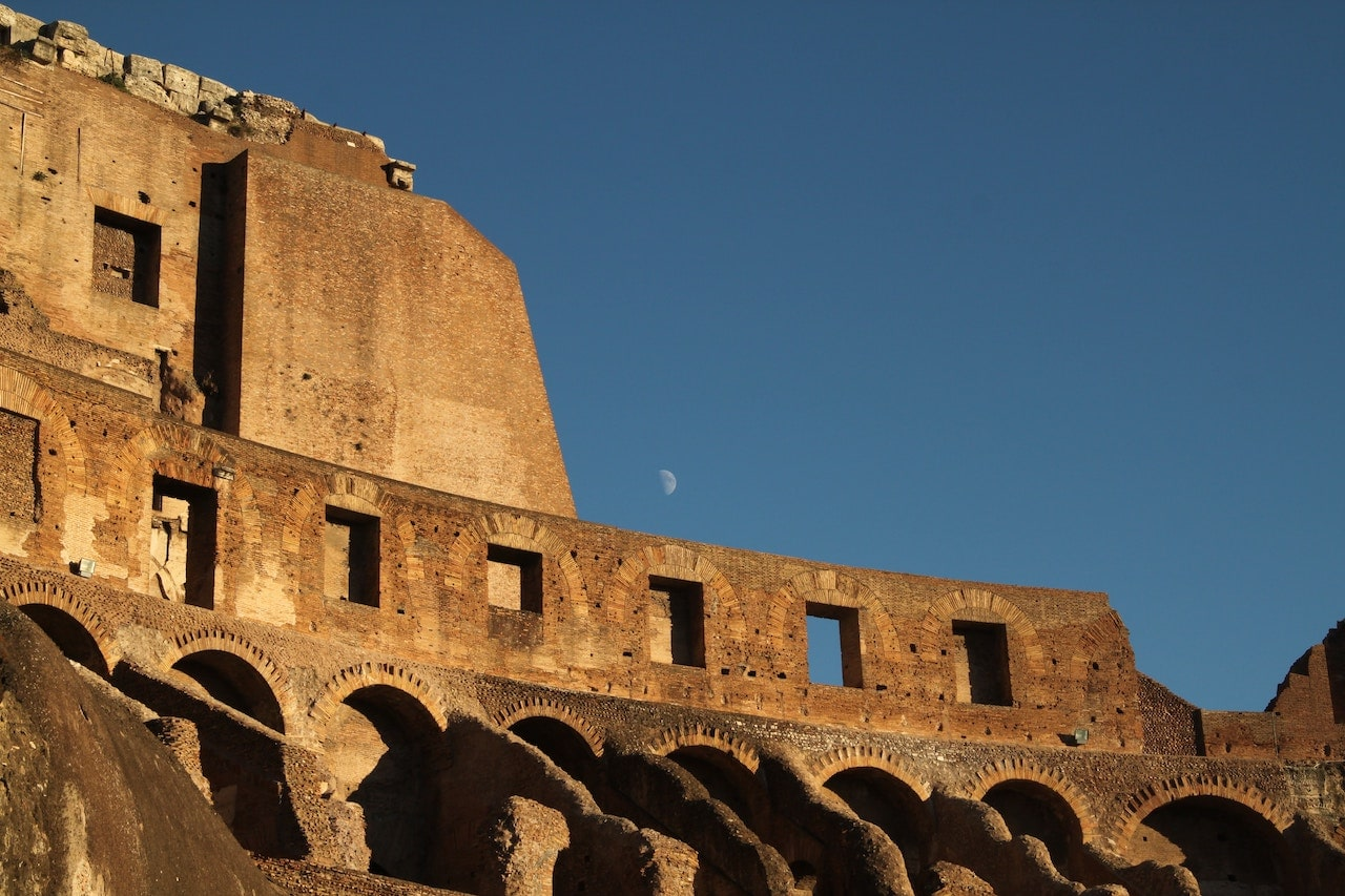 colosseum tours at night